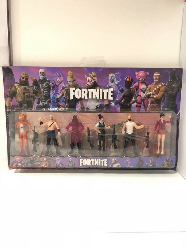 Large Fortnite 6 Figure Pack Including Weapons In Display Box
